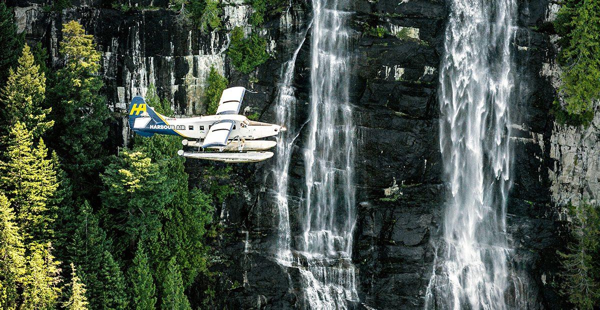1131_VANC_Harbour Air plane in flight-mod1