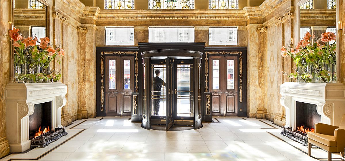 18300_ENTER_CafeRoyal_54151283-H1-Cafe_Royal_hotel_-_Entrance4