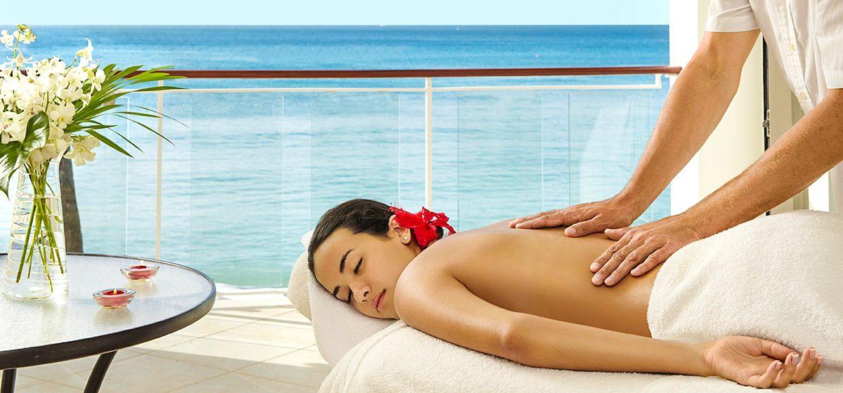 18300_ENTER_Fairmont Royal Pavilion In-room_massage_481362_standard