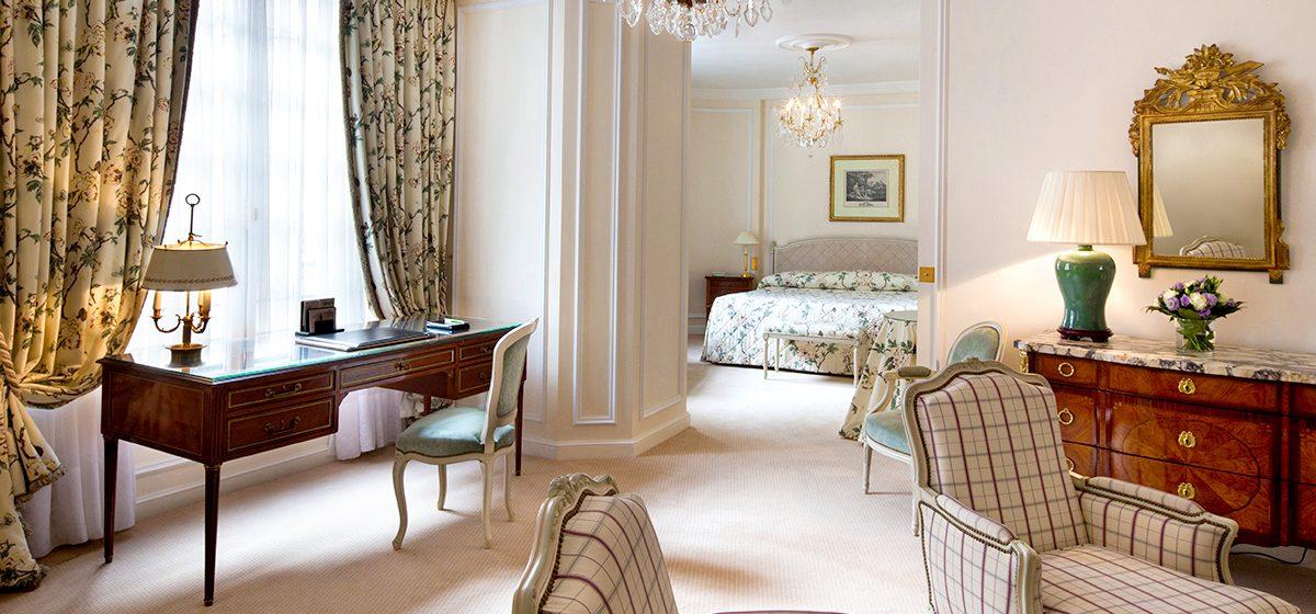 18300_ENTER_Le-Bristol-Paris_Junior-Suite-Deluxe-518_detail-Gregoire-Gardette