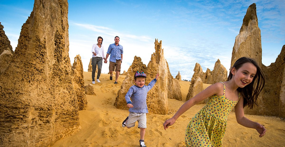 Pinnacles_Desert_in_Nambung_National_Park