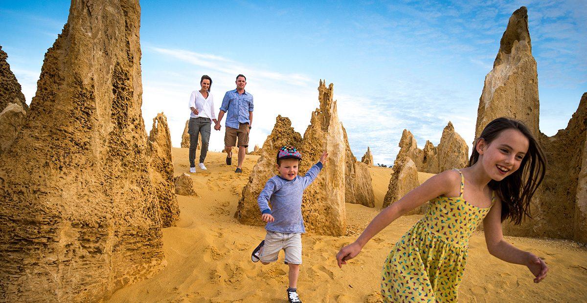 Pinnacles_Desert_in_Nambung_National_Park